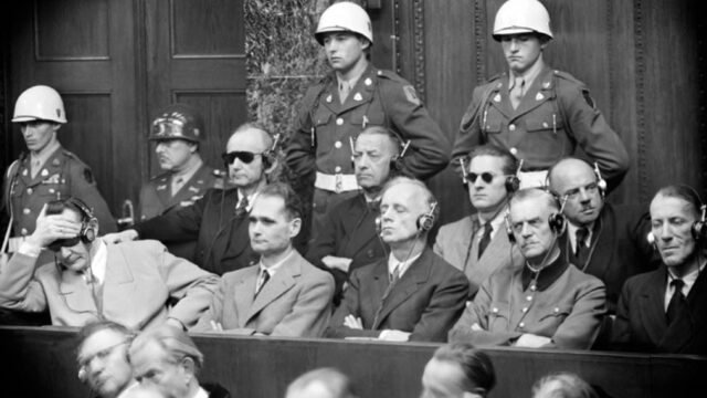 Processo ai nazisti!
